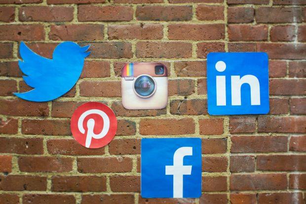 Brick-n-mortar-social